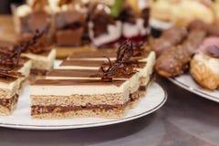 Gâteau d'opéra de tradition photos libres de droits