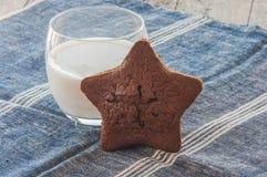 Gâteau dans la forme de l'étoile Images libres de droits