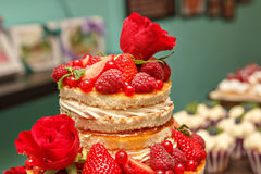 gâteau dans le style rustique Photos libres de droits