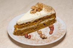 Gâteau de biscuit avec des noix Image libre de droits
