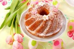 Gâteau de boucle de Pâques Photographie stock libre de droits