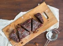 Gâteau de 'brownie' de noix de pécan Photographie stock