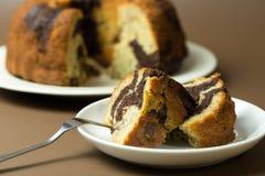 Gâteau de bundt de chocolat de banane Images libres de droits