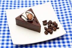 Gâteau de café avec les grains de café entiers photo libre de droits