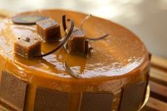 Gâteau de caramel au beurre photo stock