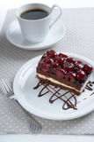 Gâteau de cerise images libres de droits