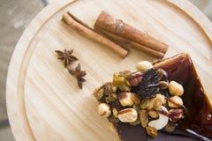 Gâteau de Choco de plat en bois Photographie stock