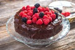 Gâteau de chocolat avec la framboise Images libres de droits