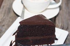 Gâteau de chocolat avec le coffe photos libres de droits