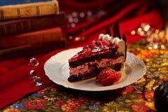 Gâteau de chocolat et de noix Image libre de droits