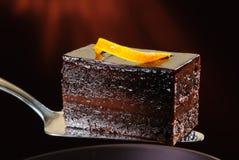 Gâteau de chocolat foncé Photographie stock