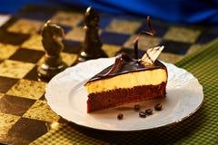 Gâteau de chocolat foncé et blanc Photos libres de droits