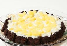 Gâteau de chocolat gastronome avec l'ananas photo stock