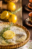 Gâteau de citron avec le romarin Photographie stock