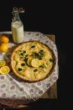 Gâteau de citron avec le romarin Images stock