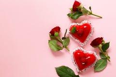 Gâteau de coeur avec le dessert de framboises pour Valentine Photographie stock
