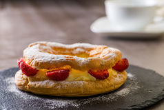 Gâteau de crème anglaise Photos libres de droits