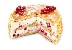 Gâteau de crème d'eclair de groseille rouge photographie stock