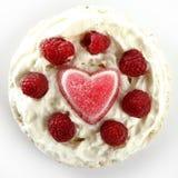 Gâteau de crème de foyer de gelée avec des framboises Photo libre de droits
