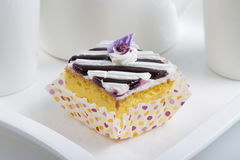 Gâteau de crème de myrtille Photographie stock libre de droits