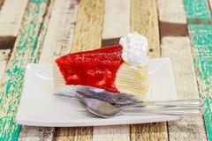 Gâteau de crêpe de fraise Photo stock