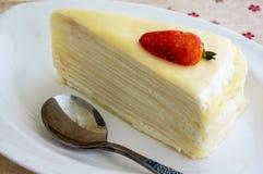Gâteau de crêpe de vanille Photos libres de droits