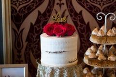 Gâteau de fleurs de Candybar Photographie stock libre de droits