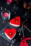 Gâteau de fondant pour le jour de valentines Images stock
