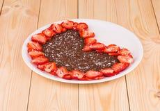Gâteau de fraise avec du chocolat Photo stock