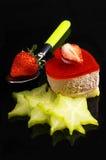Gâteau de fraise de coeur Images stock