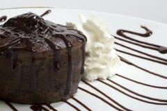 Gâteau de lave de chocolat Image stock