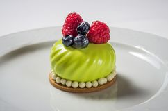 Gâteau de Limoncello images libres de droits