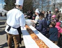 gâteau de 51 mètres de long, disque de région de Klaipeda, Lithuanie Image stock