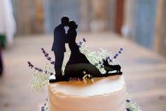 Gâteau de mariage de corgi Topper Image stock