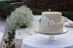 Gâteau de mariage de destination de plage Photo libre de droits
