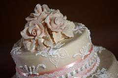 Gâteau de mariage de luxe Images libres de droits