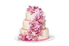 Gâteau de mariage traditionnel avec des fleurs d'orchidée Photos libres de droits