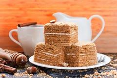Gâteau de miel posé Image libre de droits