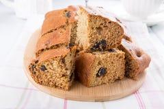 Gâteau de miel de pruneau photo libre de droits