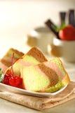 Gâteau de mousseline de soie d'arc-en-ciel Photographie stock