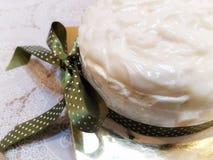 Gâteau de mousseline de soie de noix de coco Photos stock