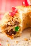 Gâteau de Noël avec la cerise de cocktail Images stock