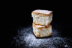 Gâteau de noix de coco Photographie stock libre de droits