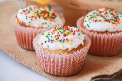 Gâteau de Pâques avec la décoration de vacances Photo stock