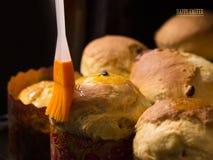 Gâteau de Pâques Procédé de cuisson handmade Tradition nationale ukrainienne photo stock