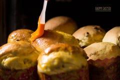 Gâteau de Pâques Procédé de cuisson handmade Tradition nationale ukrainienne image stock