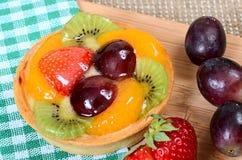 Gâteau de pâte de tarte sablée avec le fruit Photo libre de droits