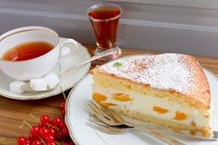 Gâteau de pêche de fromage fondu Photo stock