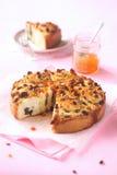 Gâteau de petit pain de massepain Images stock