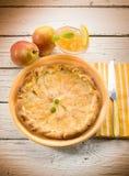 Gâteau de poire avec la confiture d'oranges Photos libres de droits